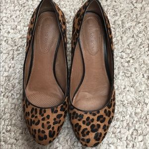 EXCELLENT CORSO COMO ANIMAL CALF HAIR PUMPS 6.5 B